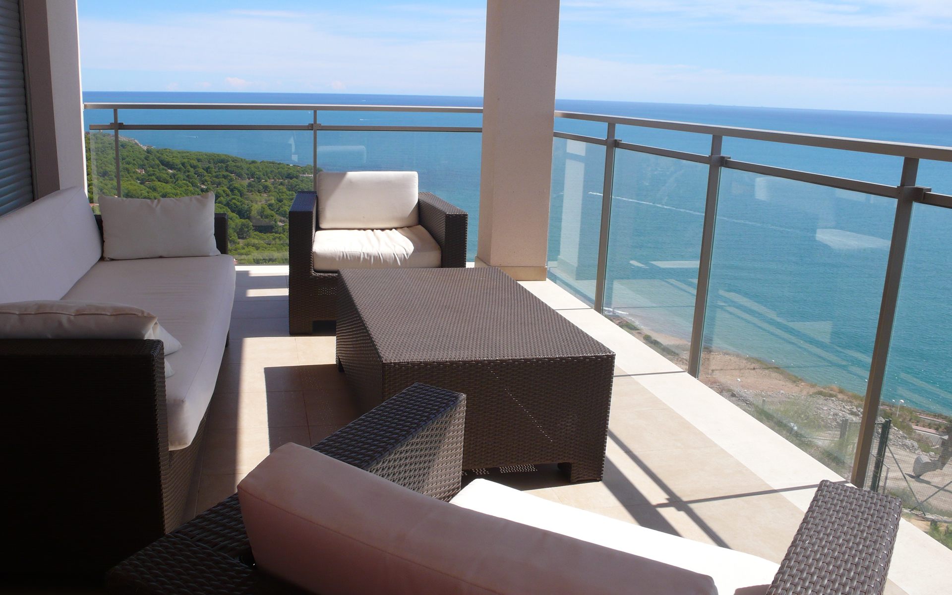 Split Level Penthouse Apartment With Views Sala Moyua Realty