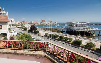 Vistas de Castro desde el balcón de la vivienda unifamiliar de Castro Urdiales