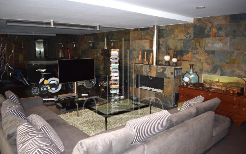 Sala de estar con acceso a jacuzzi