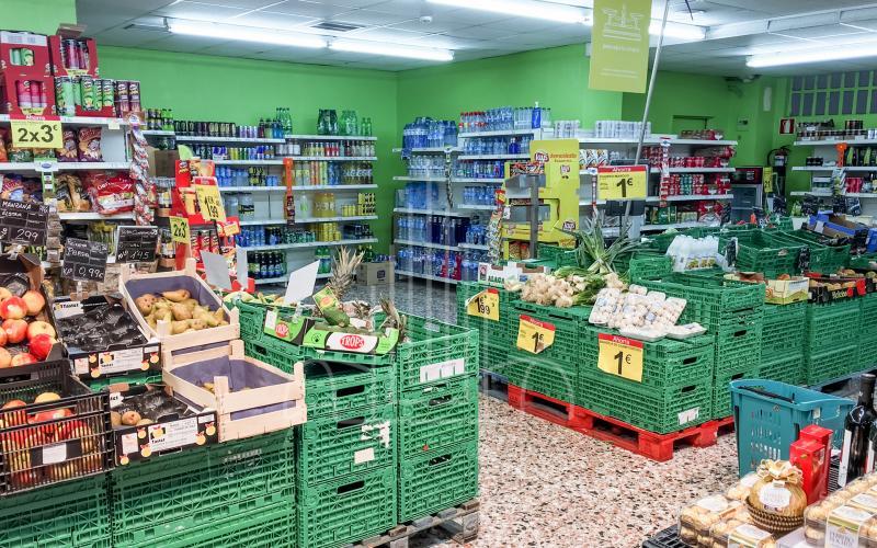 Sección de frutería en local comercial en venta subasta en Lasarte Oria