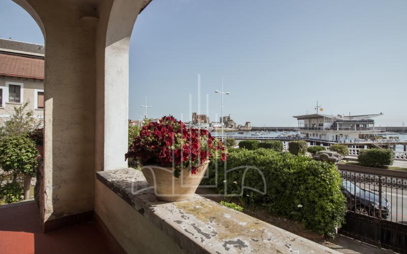 Balcón con vistas a Castro