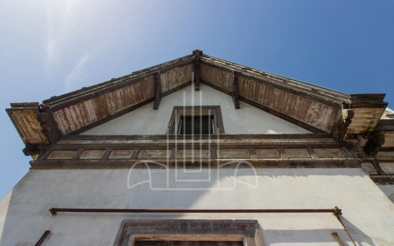 Aleros y fachada