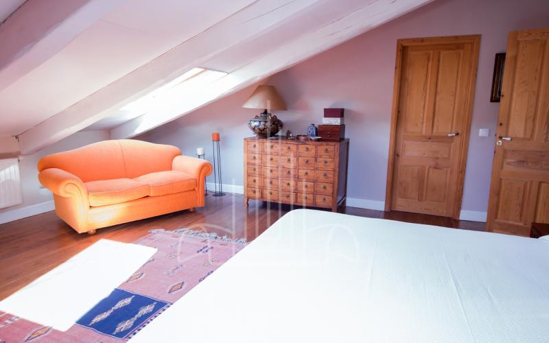 Dormitorio principal en apartamento del ático